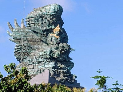 Wisata Kombinasi Arung Jeram Ayung dan Uluwatu | Garuda Wisnu Kencana