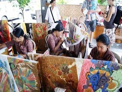 Bali Satu Hari ke Kintamani   Kerajinan Batik