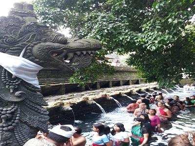 Bali Satu Hari ke Kintamani   Tirta Empul Tampaksiring